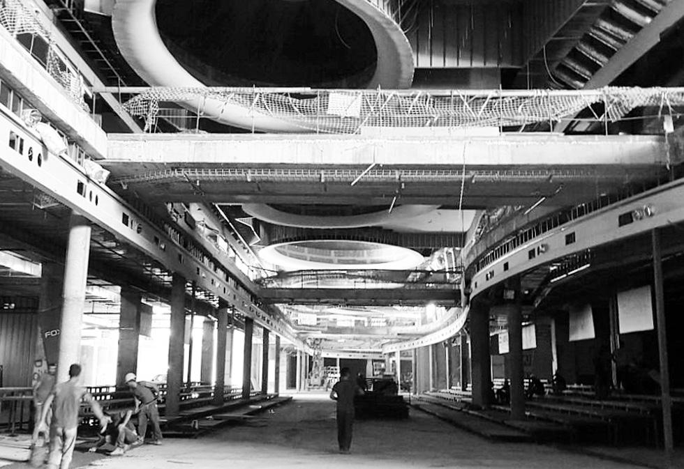 לפני פתיחת הקניון: שבוע האופנה בשיתוף פעולה של מוטי רייף וחברת גינדי השקעות התקיים באתר הבנייה (צילום: מוטי רייף)