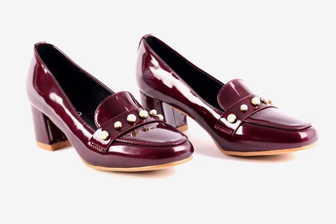 נעלי סירה בשילוב פנינים, 99 שקל, סיאלו, שופינג לאשה (צילום: שופינג לאשה)