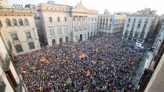Outside Catalan parliament during declaration of independence (Photo: EPA)