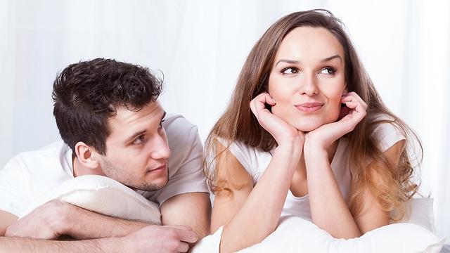 אנשים מופנמים נמשכים פעמים רבות דווקא לאנשים מוחצנים ודרמטיים (צילום: Shutterstock)