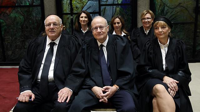 מלצר (משמאל) בטקס השבעת השופטים בבית הנשיא לצד יוסף אלרון ויעל וילנר (צילום: אוהד צויגנברג)