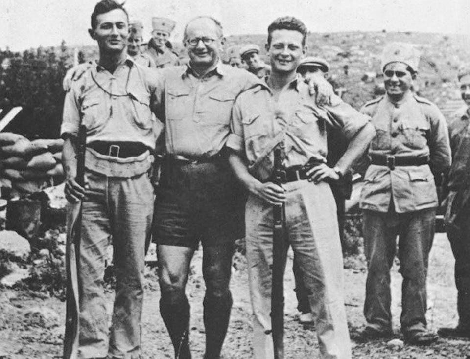 Ицхак Саде с Ицхаком Рабиным и Игалем Алоном