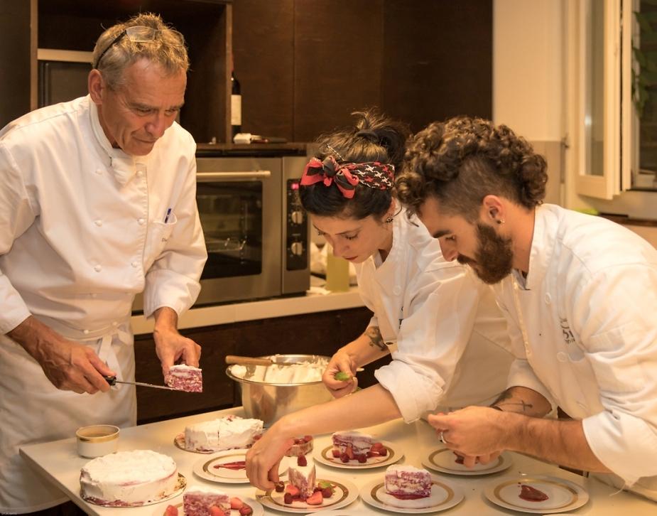 """הסו שפים מבשלים עם השף השוויצרי אורס סצ'ניטר (יח""""צ)"""