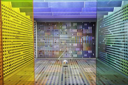גם יעקב אגם כאן. החלל שהוא יצר לארמון האליזה בזמן פומפידו הועתק לכאן, כפי שהוא, ומוצג בתצוגת קבע (צילום: time4studio/Shutterstock)
