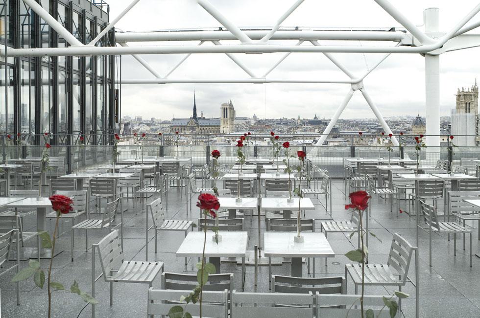 והמעפילים לקומות העליונות עם המרפסות הגדולות זוכים בפנורמה נפלאה של פריז (צילום: Dolgin Alexander Klimentyevich/Shutterstock)
