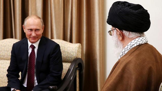 Putin meeting with Khemenei (Photo: Reuters)