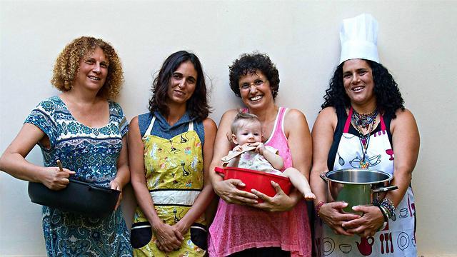 המטרה - תמיכה חברתית ואוכל טרי (צילום: דנה דור און יוספזון)