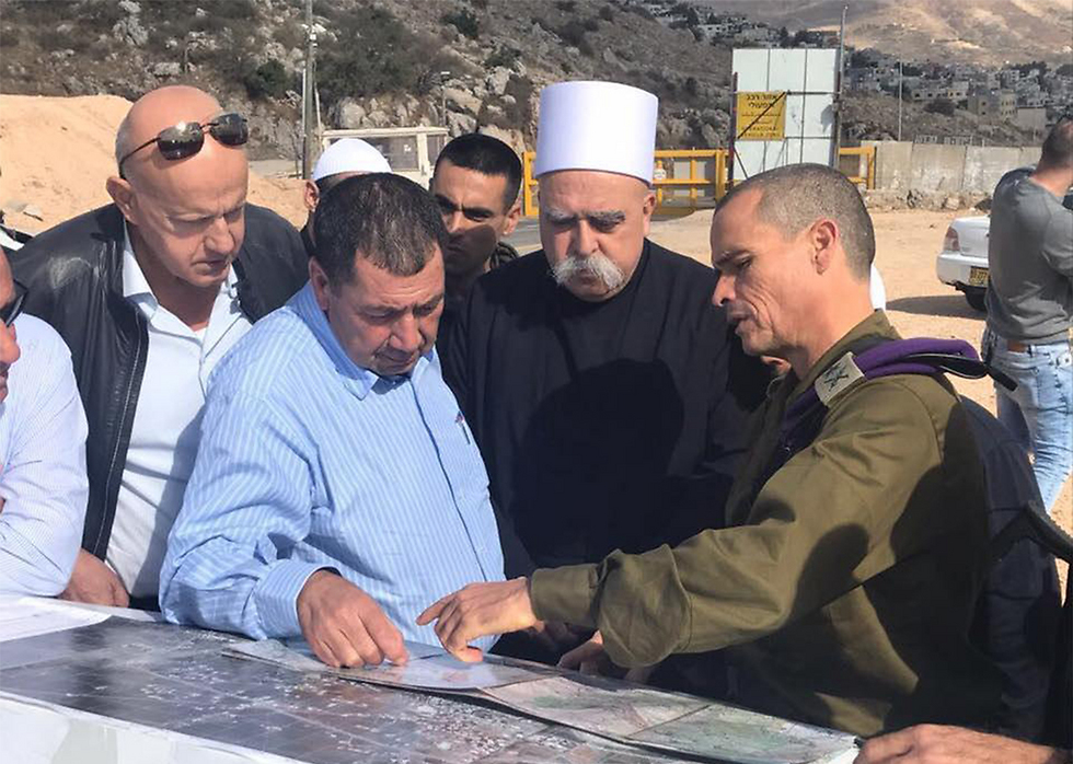 GOC Northern Command Strick (R) with Druze spiritual leader Tarif (2nd from right) (Photo: IDF Spokesperson's Unit)