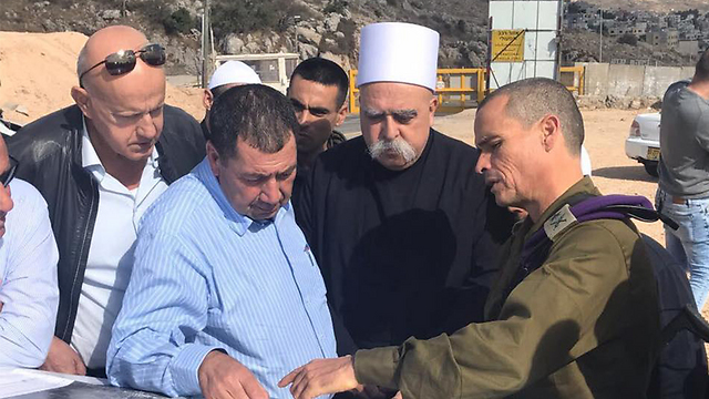 GOC Northern Command Strick, right, with Druze spiritual leader Tarif, 2nd from right (Photo: IDF Spokesman's Office)