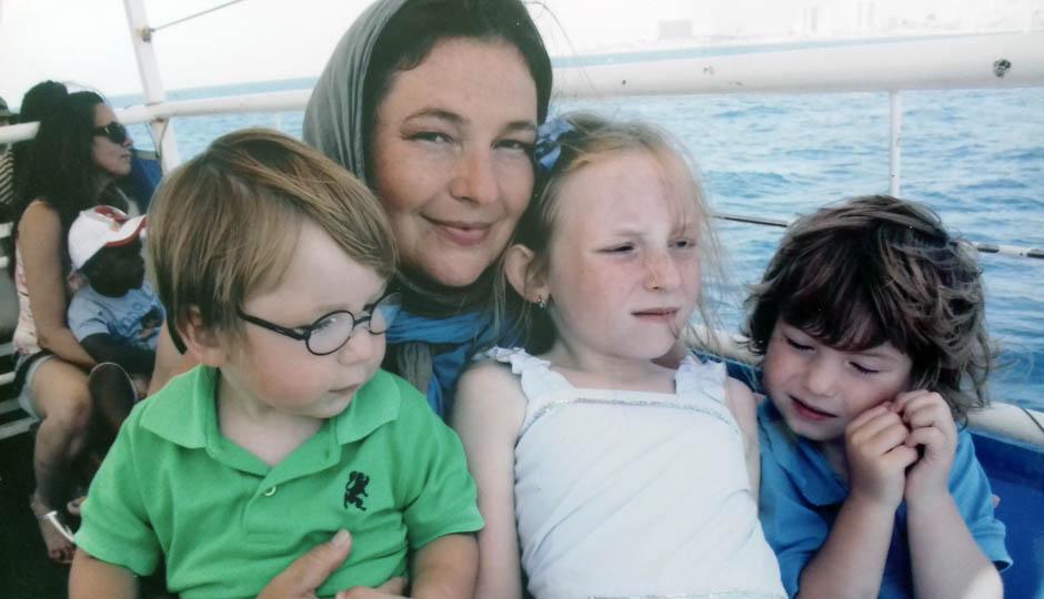 Ольга и дети в первые годы жизни в Израиле. Фото из личного архива