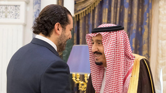 Resigned Lebanon PM al-Hariri (L) with Saudi King Salman (Photo: AFP)