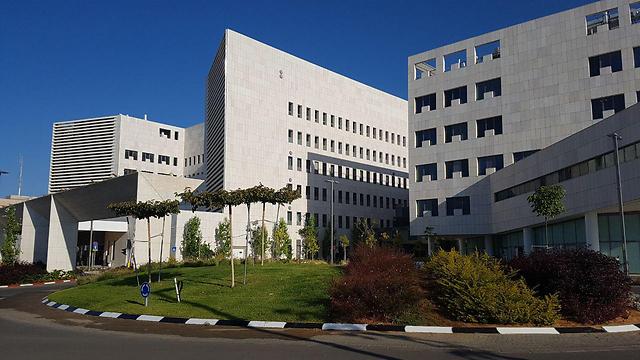 בית החולים אסותא באשדוד. תקוות גדולות וגירעונות גדולים (צילום: בראל אפרים) (צילום: בראל אפרים)