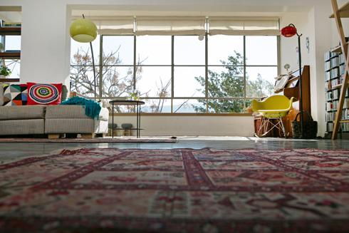 בני הזוג קנו את הבית מהמשפחה המורחבת והשיפוץ שעשו היה הראשון שנעשה בו מאז שנבנה  (צילום: שירן כרמל)