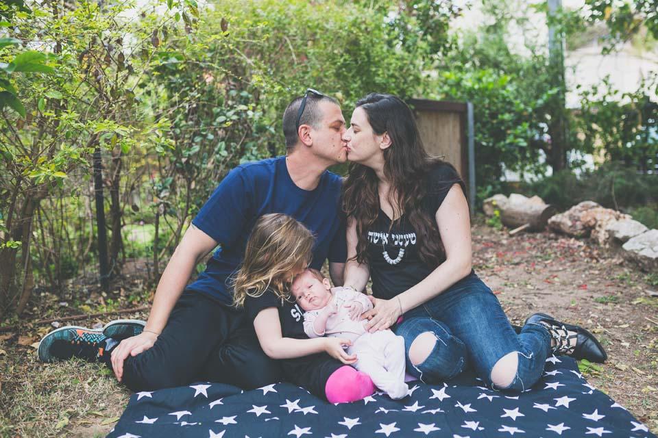 Ира, муж Гай, дочки Альма и Роми. Фото: Эла Милат