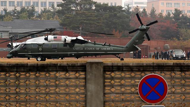 המסוק הנשיאותי, מארין 1, לאחר המסע שנכשל אל האזור המפורז (צילום: רויטרס) (צילום: רויטרס)
