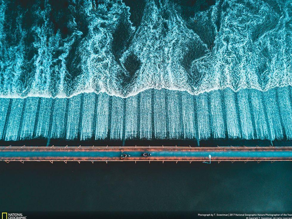 צילום אווירי מעל הגשר שחוצה את נהר פינג, תאילנד (צילום: T. Sweetman)