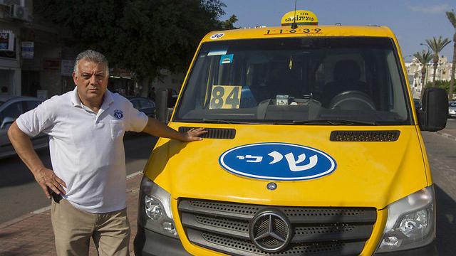 """""""הנסיעה לא כדאית"""", משה מלול, נהג מונית שירות (צילום: עידו ארז) (צילום: עידו ארז)"""
