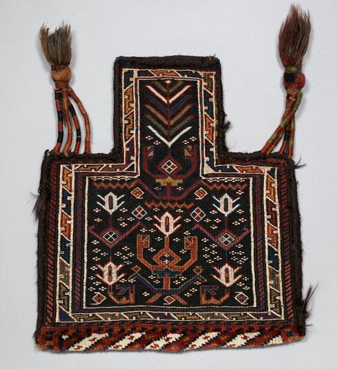 למשל, תיק לאחסון מלח, בדוגמת צבעונים. מערב איראן, 1920 (Image: © The Metropolitan Museum of Art, New York)