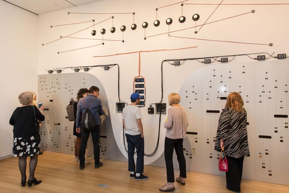 סאונד במוזיאון MAD, ניו יורק: מיצב קולי של נעמה צבר (Photo by Jenna Bascom, Courtesy of the Museum of Arts and Design)
