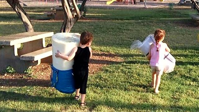 בשטח אפשר גם להעביד את הילדים
