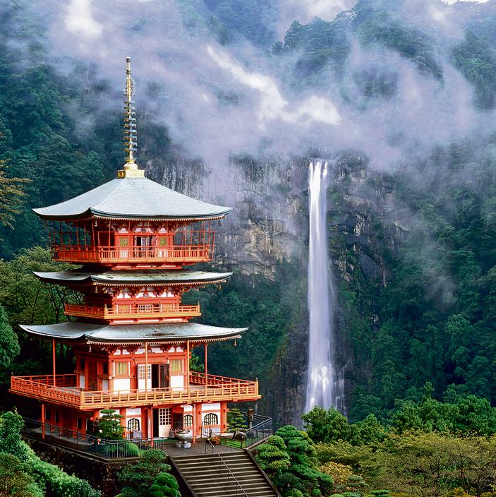 מפל הנאצ'י, המפל הגבוה ביפן. סוחט קריאות התפעלות