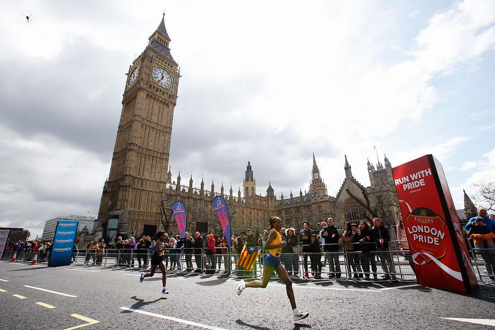 סאמגונג בלונדון. הושעתה במקום להגן על התואר (צילום: getty images)