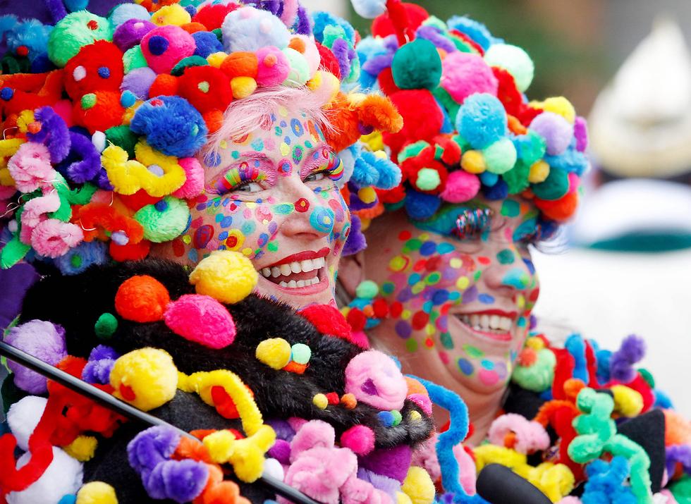 עונת הקרנבל נפתחה בעיר דיסלדורף שבגרמניה (צילום: AFP) (צילום: AFP)