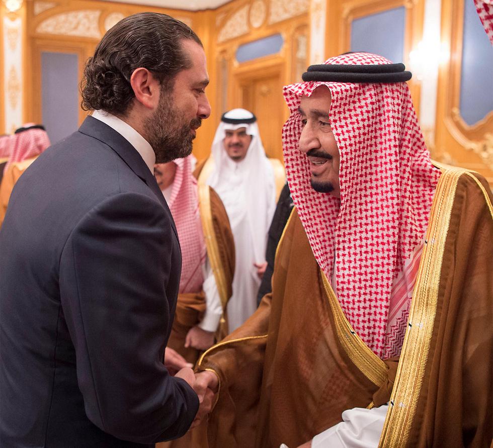 """ניסיון לשדר """"עסקים כרגיל"""". סעד אל-חרירי הגיע לקבלת פנים למלך סעודיה  (צילום: רויטרס)"""