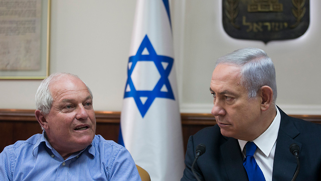 Katz (L) and Netanyahu (Photo: Olivier Fitoussi)