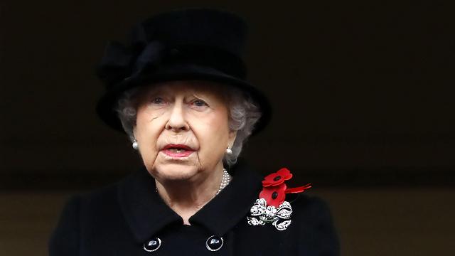 במהלך 65 שנות מלכותה החמיצה את טקס יום הזיכרון שש פעמים בלבד (צילום: AFP) (צילום: AFP)
