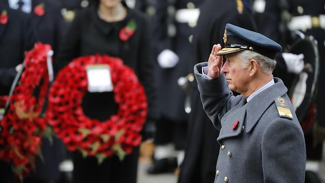 ממלא את מקום אמו בת ה-91 באירועים שונים. הנסיך צ'לרס בטקס יום הזיכרון הבריטי בלונדון (צילום: AFP) (צילום: AFP)