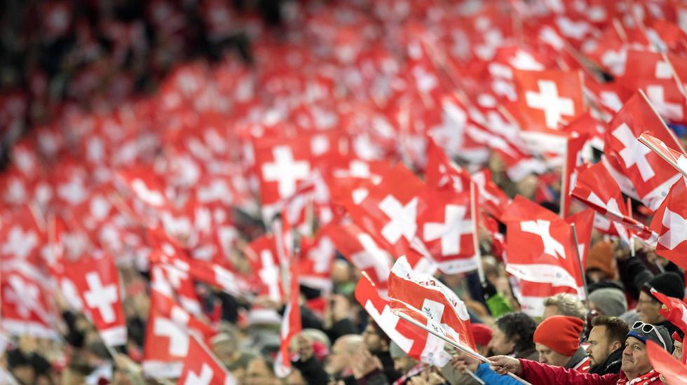 הים האדום. כל באזל דגלים-דגלים (צילום: EPA) (צילום: EPA)