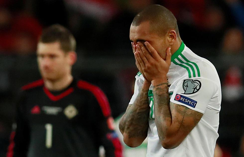 מגניס מתקשה לעצור את הדמעות (צילום: רויטרס) (צילום: רויטרס)