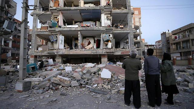 מבנים הרוסים, ומאות הרוגים: רעידת האדמה בעיראק (צילום AP)