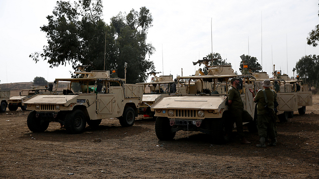 IDF vehicles prepare due to heightened alert (Photo: EPA)