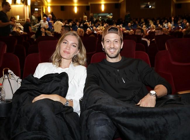 איזה קטע גם אנחנו מגיעים עם שמיכה מהבית לקולנוע (צילום: רפי דלויה)