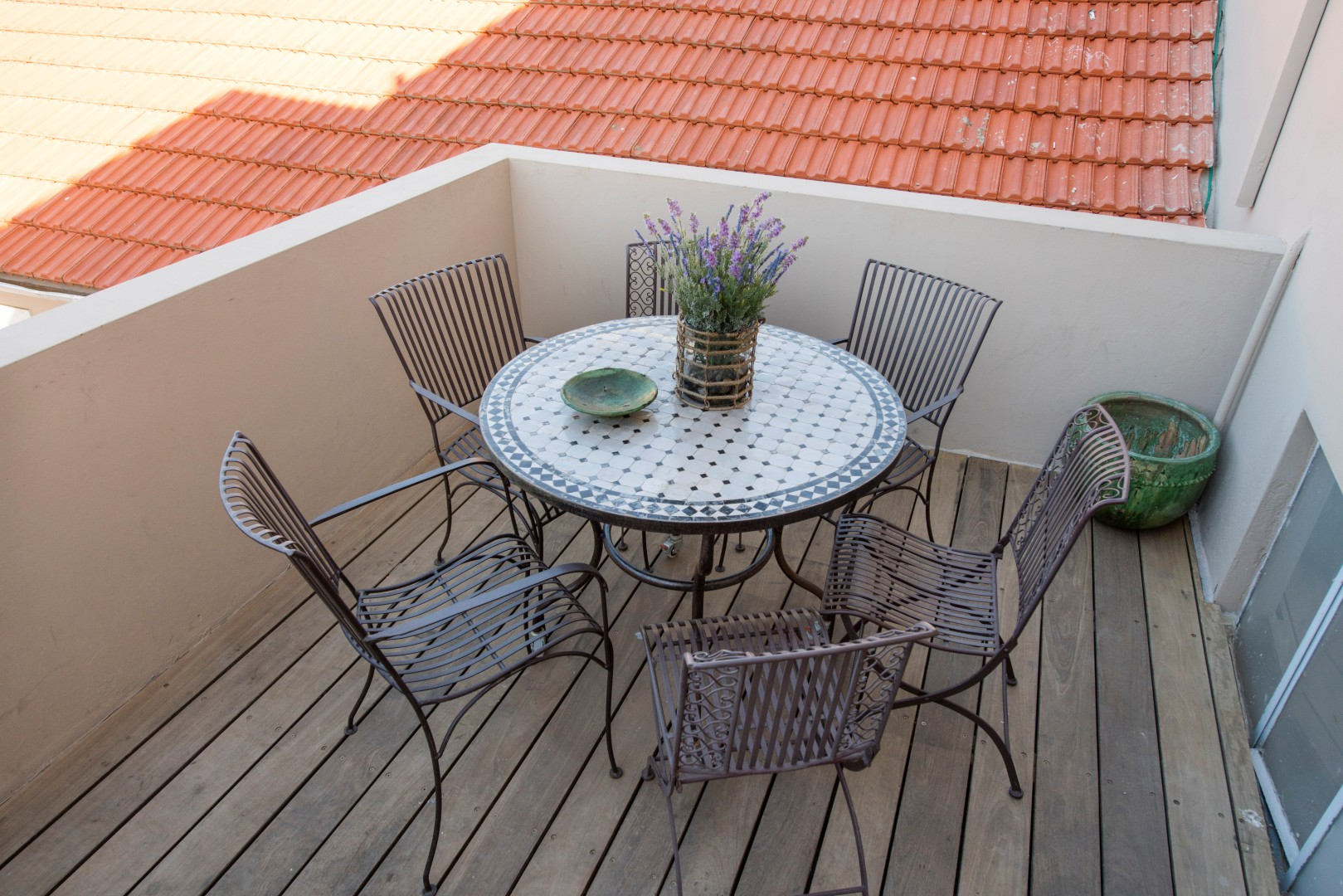 המרפסת (צילום: מנחם רייס)