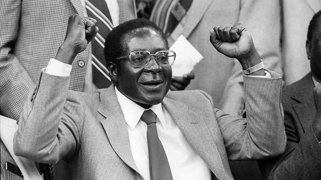 הוביל את ארצו לעצמאות ב-1980. רוברט מוגאבה (צילום: רויטרס) (צילום: רויטרס)