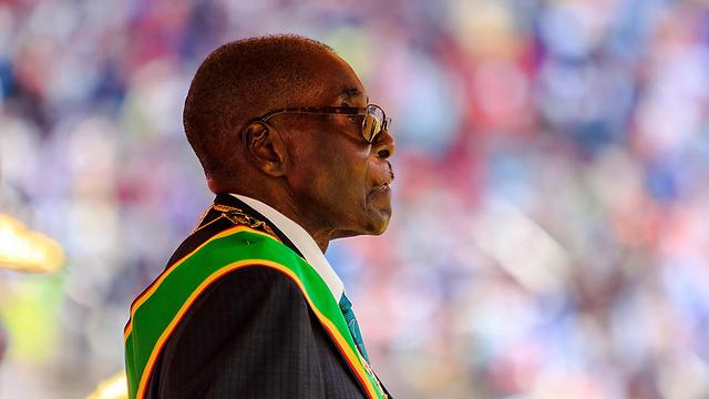 סין עמדה מאחורי הדחתו של הרודן הוותיק? נשיא זימבבואה רוברט מוגאבה (צילום: AFP) (צילום: AFP)