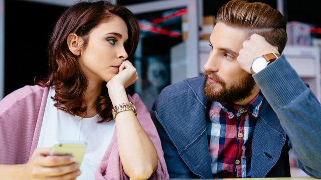 בני הדור השלישי למדו שההורים שלהם הולכים איתם כעסקת חבילה (צילום: Shutterstock) (צילום: Shutterstock)