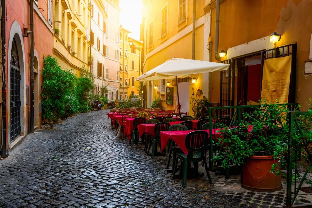 ללכת לאיבוד בין סמטאות בירת איטליה (צילום: shutterstock)