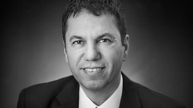 """יוסי אופק מנכ""""ל הפארמה וחדשנות רפואית טבע ישראל ()"""
