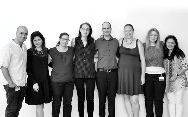 צוות השיווק בחברת ניאופרם