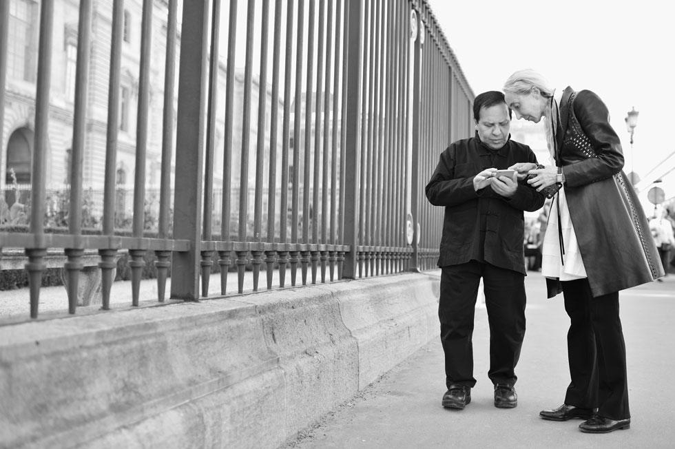 אלאיה עם קרלה סוזאני, שותפתו העסקית וחברתו הטובה ביותר  (צילום: Gettyimages)