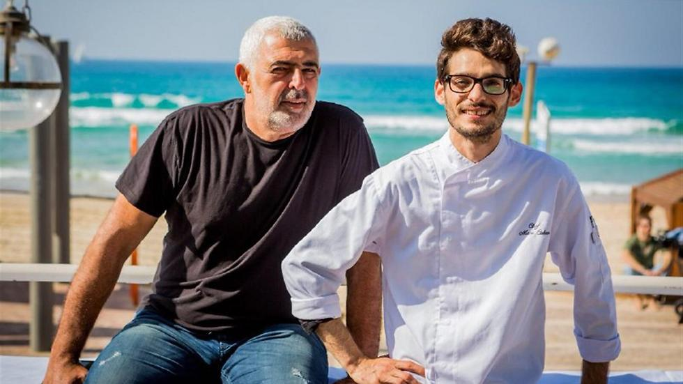 איציק חסון הבעלים (משמאל) והשף מאור כהן (צילום: איתי פולק) (צילום: איתי פולק)
