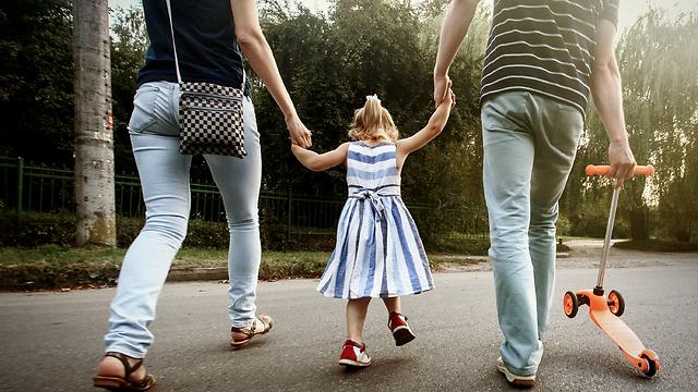 אל תשכחו מהזוגיות שלכם, גם כשאתם בהורות תובענית (צילום: Shutterstock) (צילום: Shutterstock)