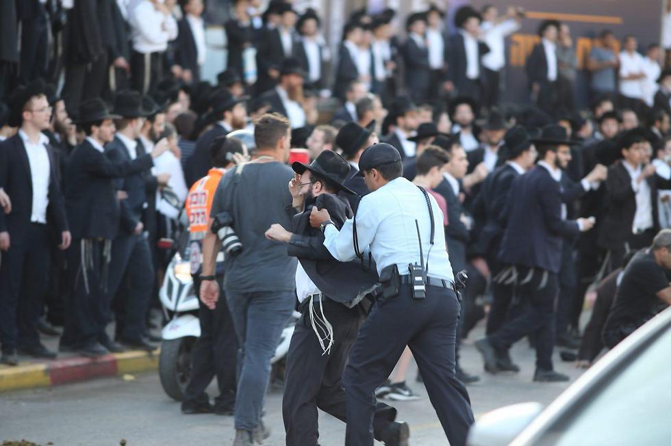 הפגנות החרדים נגד הגיוס בסוף השנה שעברה (צילום: מוטי קמחי) (צילום: מוטי קמחי)