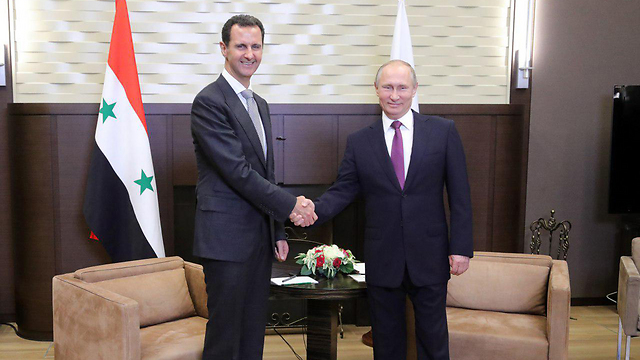 Syrian President Assad (L) met his Russian benefactor President Putin Monday