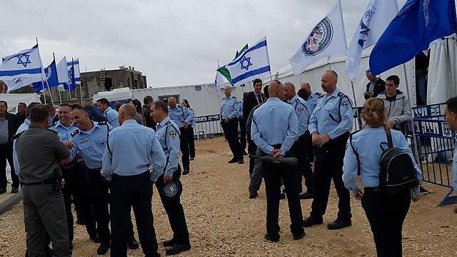 חנוכת תחנת המשטרה בג'סר א-זרקא (צילום: חסן שעלאן) (צילום: חסן שעלאן)