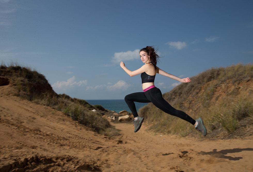 """סיימה מרוץ של 100 ק""""מ למרות פציעה בברך (צילום: עוז מועלם) (צילום: עוז מועלם)"""